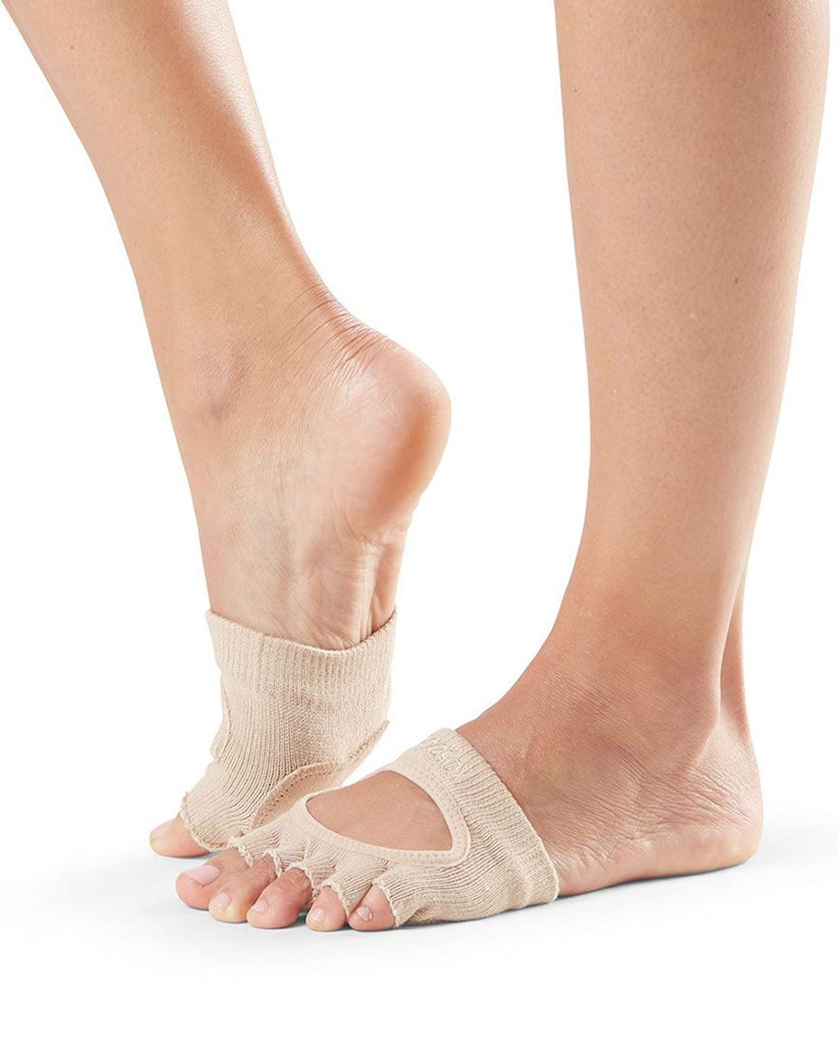 RELEVE TOESOX_NUDE